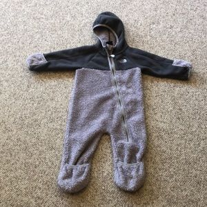 The North Face dark grey n light grey onesie 6-12